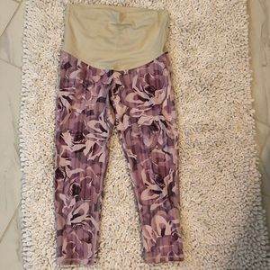 Pink Blush floral maternity cropped leggings